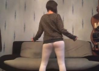 danca-twerk-russia-merda-cueca