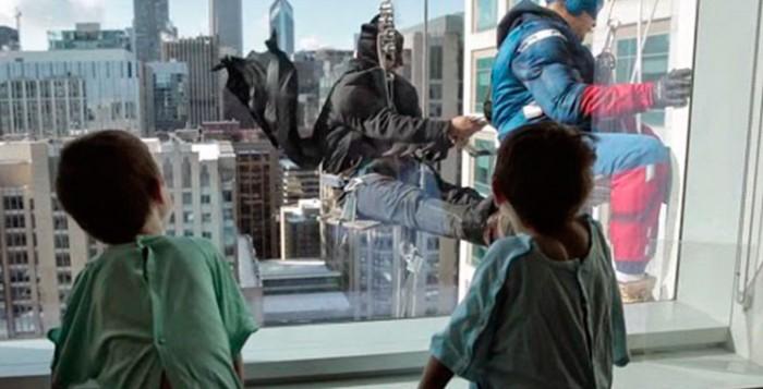 super-herois-limpam-janelas