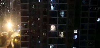Moradores-de-quarentena-em-Wuhan-dão-gritos-de-incentivo-nas-varandas